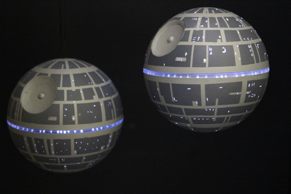 diy ornamental led death star theledlight. Black Bedroom Furniture Sets. Home Design Ideas